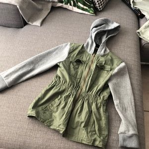 Anorak. Green and gray jacket